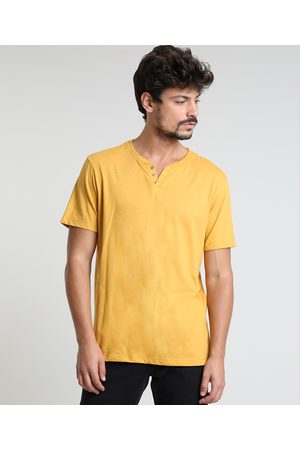 Basics Homem Manga Curta - Camiseta Masculina Básica com Botões Manga Curta Gola Careca Mostarda