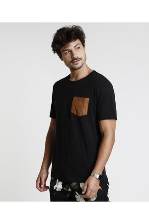 Clockhouse Camiseta Masculina com Recorte e Bolso Manga Curta Gola Careca Preta