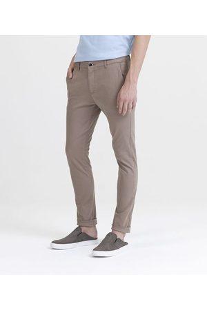 Request Calça Skinny em Sarja | | | 44