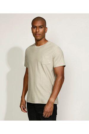 Basics Camiseta Masculina Básica com Bolso Manga Curta Gola Careca Kaki