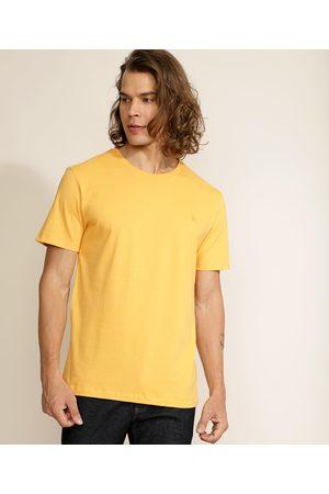 Basics Homem Manga Curta - Camiseta Masculina Básica com Bordado Manga Curta Gola Careca Mostarda
