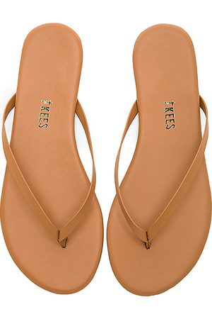 Tkees Foundations Matte Flip Flop in Brown. - size 5 (also in 6, 7)