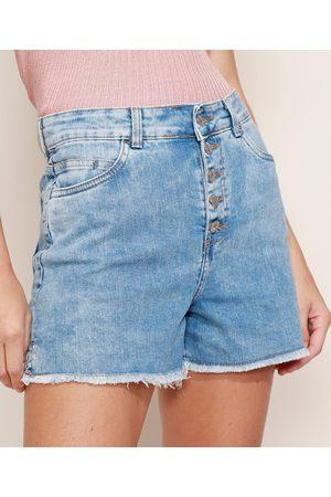 YESSICA Short Jeans Feminino Hot Pant Cintura Alta Marmorizado com Botões e Barra Desfiada Claro