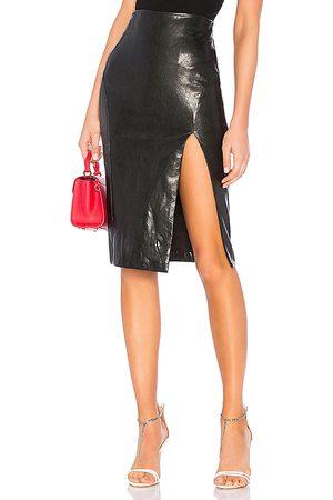 superdown Saia Couro - Jezabel Faux Leather Midi Skirt in . - size S (also in XS, XXS)
