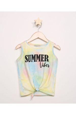 """PALOMINO Regata Infantil Canelada Summer Vibes"""" Estampada Tie Dye com Nó Amarela"""""""
