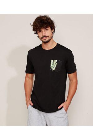 Clock House Camiseta Masculina Bolsinho Estampado Folhagem Manga Curta Gola Careca Preta