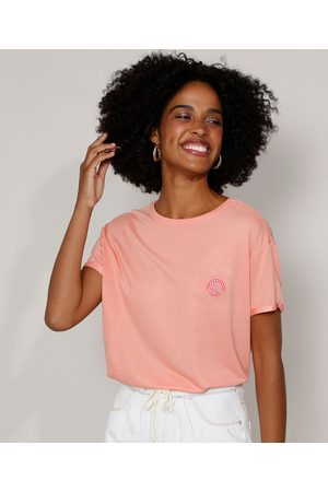 Clock House Camiseta Feminina Ampla com Bordado de Concha Manga Curta Decote Redondo Coral