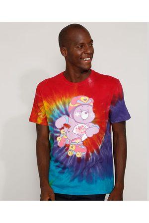 Ursinhos Carinhosos Camiseta Masculina Patinador Estampada Tie Dye Manga Curta Gola Careca Multicor