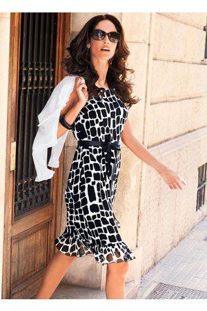 QUEIMA ESTOQUE Mulher Vestido Estampado - Vestido Estampa Geométrica Branco/