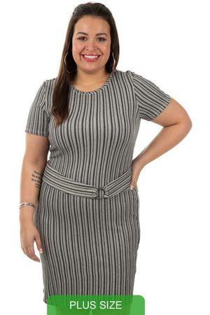 Cativa Plus Size Vestido com Aviamento