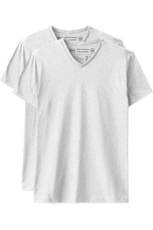 Basicamente Kit de 2 Camisetas Básicas Gola V