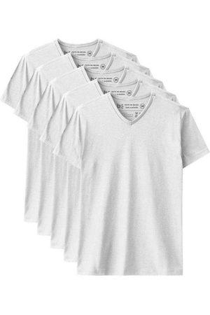 Basicamente Kit de 5 Camisetas Básicas Gola V