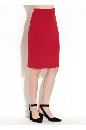 QUINTESS Mulher Minissaia - Saia Vermelha com Fenda