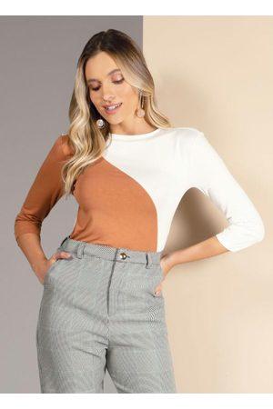 QUINTESS Mulher Blusa - Blusa com Recorte Frontal Off White e Caramelo
