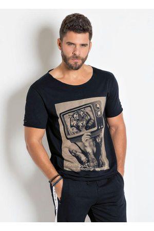 QUEIMA ESTOQUE Camiseta Preta com Detalhes Destroyed