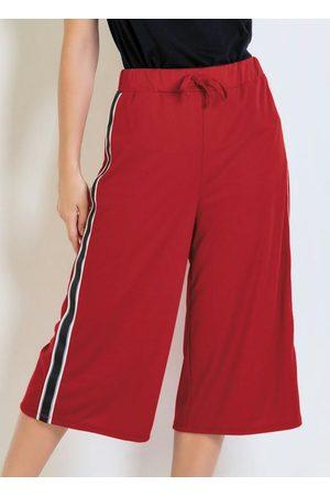 QUEIMA ESTOQUE Calça Pantacurt Vermelha com Faixa na Lateral
