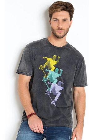 Actual Camiseta Estonada Skatista Preta