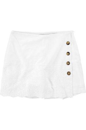 Malwee Shorts Saia com Laíse