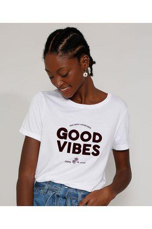 "Clockhouse Camiseta Feminina Longa Manga Curta Good Vibes"" Flocada Decote Redondo Branca"""