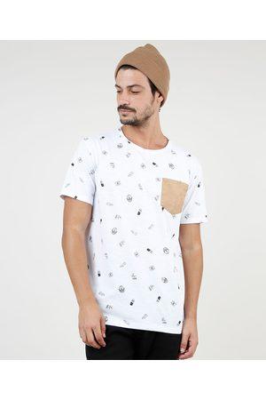 Clock House Camiseta Masculina Estampada com Bolso em Suede Manga Curta Gola Careca Branca