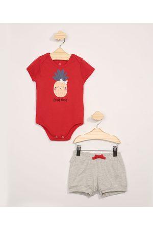BABY CLUB Conjunto Infantil Body Manga Curta Abacaxi Vermelho + Short Mescla