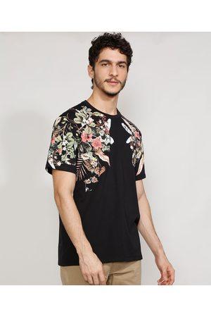 Clockhouse Camiseta Masculina Manga Curta com Estampa Floral Gola Careca Preta