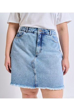 Ashua Curve e Plus Size Mulher Minissaia - Saia Curta em Jeans com Barra Desfiada Curve & Plus Size       48