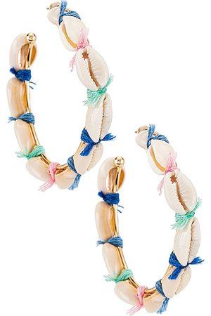 Casa Clara Brincos - Bradshaw Shell Hoop Earrings in White.