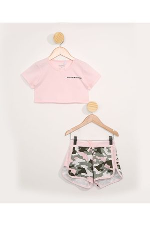 PALOMINO Conjunto Infantil de Blusa Manga Curta Cropped Rosa + Short Running Camuflado Cinza