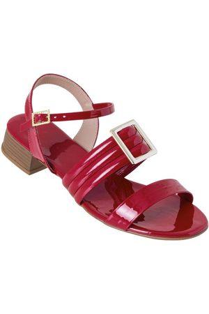 Perfecta Sandália Vermelha com Detalhe de Fivela