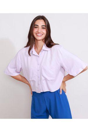 Clockhouse Mulher Camisa Manga Curta - Camisa de Crepe Feminina Manga Curta Ampla Cropped com Bolsos Lilás