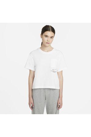 Nike Camiseta Sportswear Swoosh Feminina