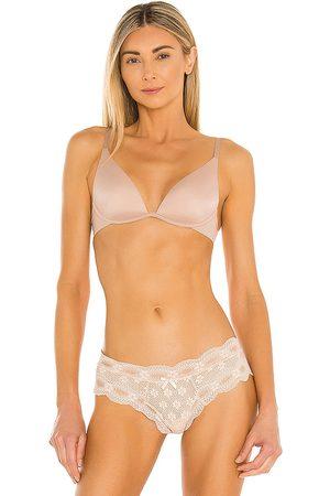 Calvin Klein Sutiãs & Corselet - Lightly Lined Plunge Bra in Nude. - size 32A (also in 32B, 32C, 32D, 34A, 34B, 34C, 34D, 36B, 36C, 36D)