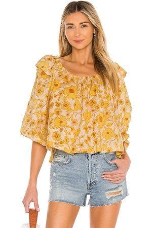 Free People Mulher Básica - Miss Daisy Printed Top in Yellow. - size L (also in M, S, XS)