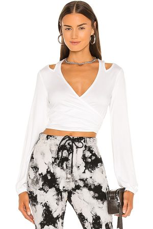 h:ours Básica - Cut Out Nikkie Top in . - size L (also in M, S, XL, XS, XXS)