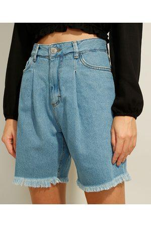 Clockhouse Bermuda Jeans com Pregas e Barra Desfiada Cintura Super Alta Claro