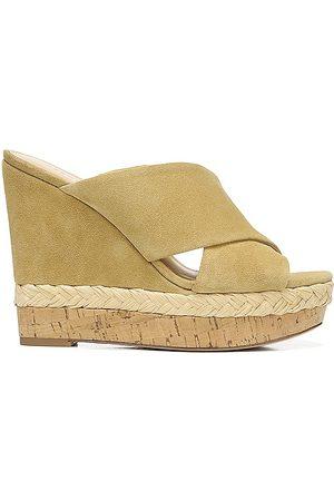VERONICA BEARD Loro Wedge Sandal in Beige. - size 10 (also in 6, 6.5, 7, 7.5, 8, 8.5, 9, 9.5)