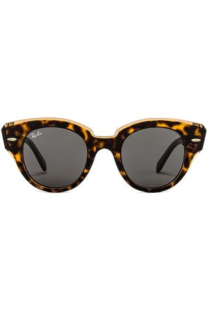 Ray-Ban Roundabout in Brown.
