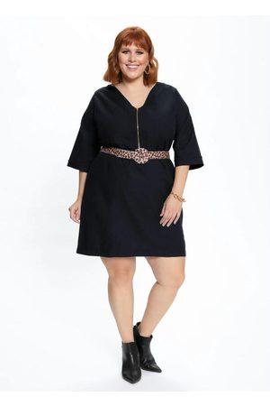 Mink Vestido Plus Size com Decote V e Zíper