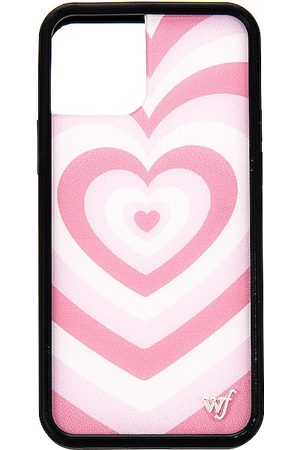 Wildflower IPhone 12/12 Pro Case in Pink.
