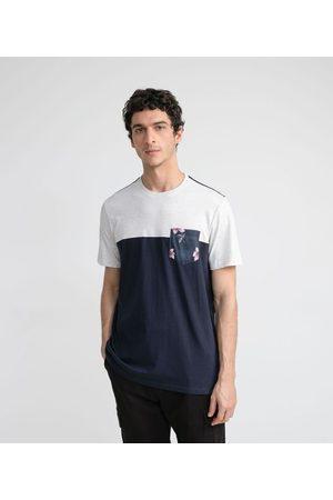 Ripping Camiseta Manga Curta com Recorte e Bolso Estampado     Multicores   M