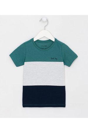 Póim (1 a 5 anos) Criança Camisolas de Manga Curta - Camiseta Infantil Recortes com Lettering Find Joy - Tam 1 a 5 anos       05