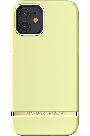 Richmond & Finch IPhone 12/12 Pro Case in Yellow.