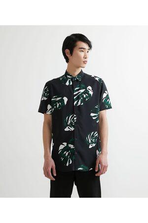 Request Homem Camisa Manga Curta - Camisa Manga Curta em Viscose Estampa Folhagens | | | GG