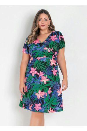 Marguerite Vestido Floral com Transpasse Plus Size