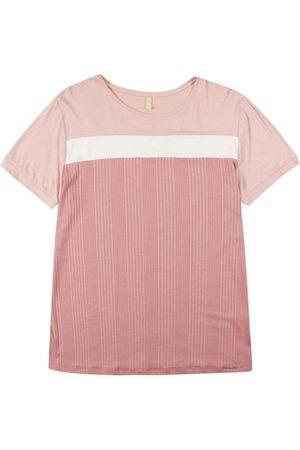 Cativa Mulher Camiseta - T-Shirt Adulto com Detalhe de Recorte