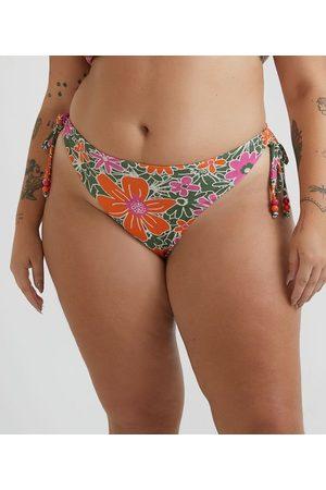 Ashua Curve e Plus Size Biquíni Calcinha em Poliamida com Estampa Floral e Laços nas Laterais Curve & Plus Size | | | G
